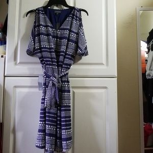 NWT PATTERNED DRESS